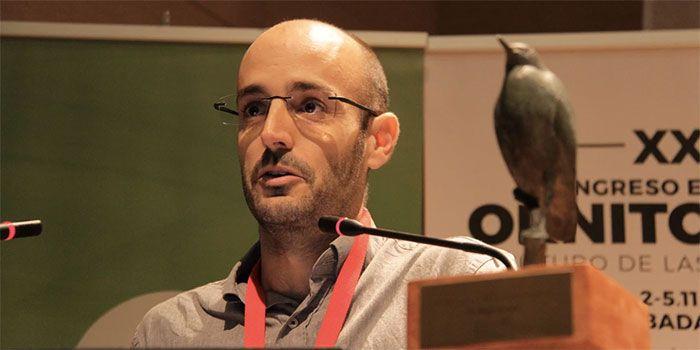 Roger Jovani agradeciendo la concesión del Premio Francisco Bernis